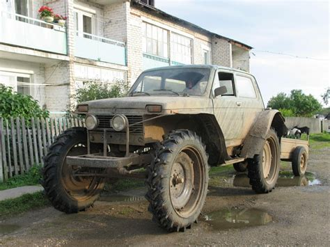 Lada Niva Body On A Tractor Chassis With Cart, Spotted In