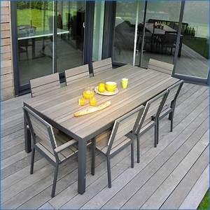Salon De Jardin Table : incroyable table de jardin castorama image de jardin ~ Teatrodelosmanantiales.com Idées de Décoration
