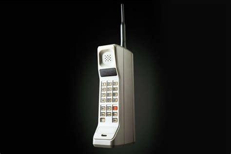 le pour telephone portable le premier t 233 l 233 phone portable de l histoire le motorola dyna tac 8000x le t 233 l 233 phone mobile a