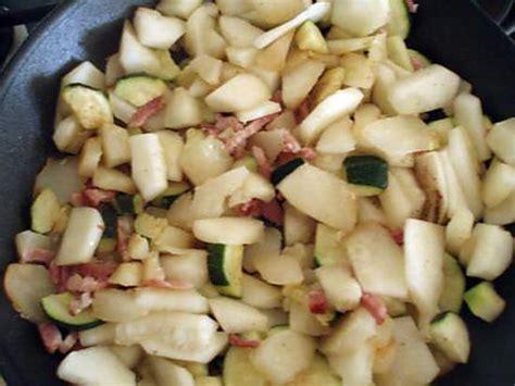cuisiner patisson blanc recette de poelée patisson courgette