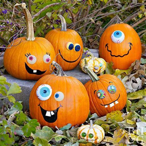 happy pumpkin faces  halloween  homes gardens