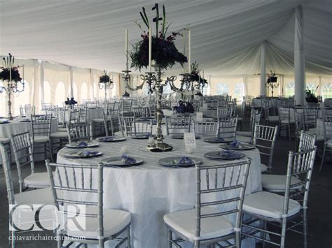 white table cloth with silver chiavari chairs wedding