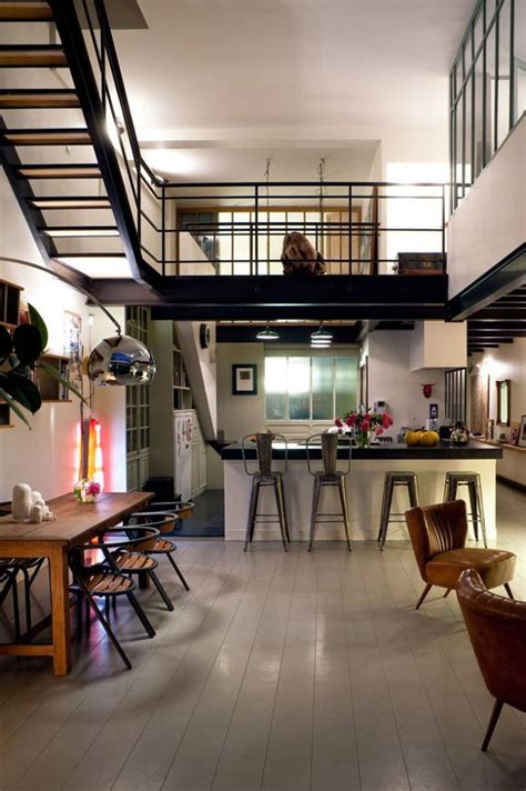 dessus de cuisine le garde corps mezzanine jolies idées pour lofts avec