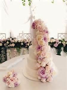 dekoration fã r hochzeitstorte 1000 ideen zu weiße blumen auf blumengarten und blumen