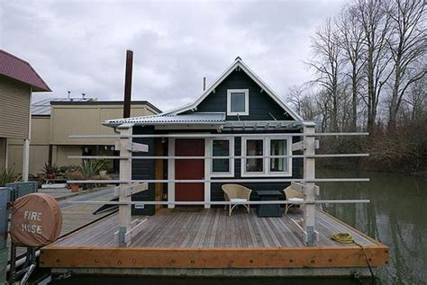 Riverside 433 Sq Ft Guest Cottage Is A Roomy Floating
