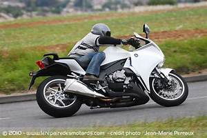 Moto Honda Automatique : essai honda vfr 1200 dct automatique ~ Medecine-chirurgie-esthetiques.com Avis de Voitures