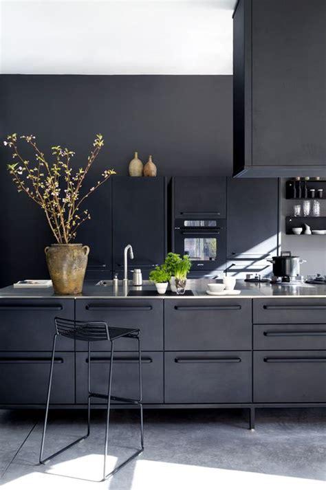 black modern kitchen cabinets zwarte keukens voorbeelden keukenstijlen nieuws 4734