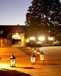 Lighting ideas for outdoor weddings for Outdoor wedding reception lighting