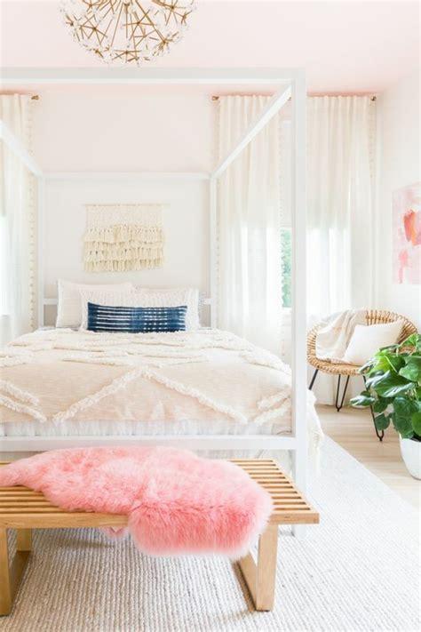 couleurs des murs pour chambre quelle couleur pour une chambre à coucher le secret est ici