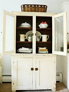 antique kitchen decorating pictures ideas from hgtv hgtv With what kind of paint to use on kitchen cabinets for father s day stickers
