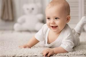 Baby 4 Monate Schlaf Tagsüber : entwicklung baby 4 monat ihr baby schon eine kleine pers nlichkeit mami papi ~ Frokenaadalensverden.com Haus und Dekorationen