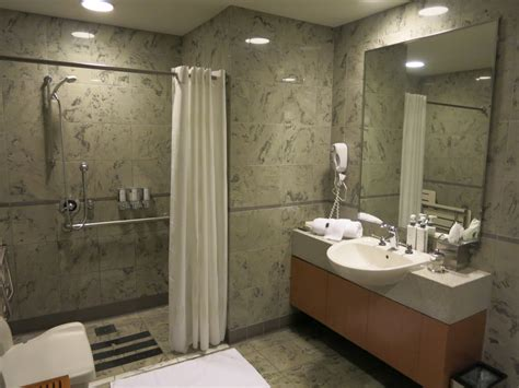 showers at lax review american airlines quot flagship quot class lounge