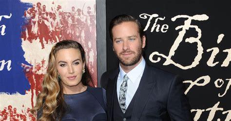 Armie Hammer et sa femme Elizabeth Chambers enceinte à la ...