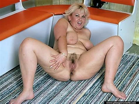 American Fatties Mature Fat Blonde Spreading Pussy