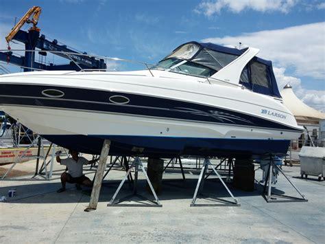 Larson Boats Cabrio 274 by 2007 Larson 274 Cabrio Power Boat For Sale Www