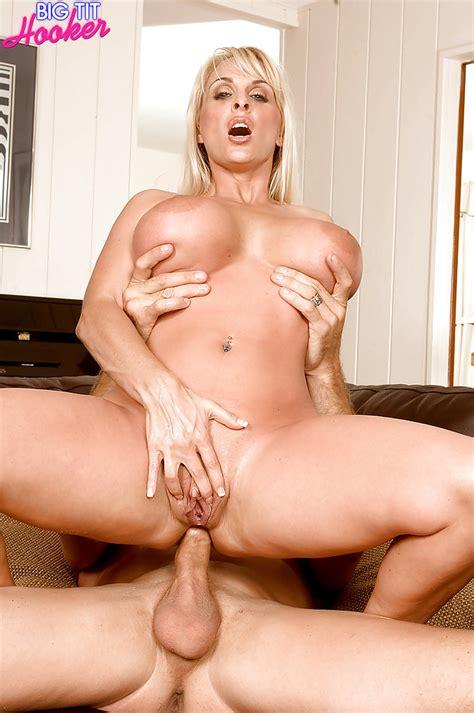 Buxom Blonde Milf Holly Halston Taking Hardcore Butt