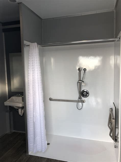 mobile shower trailer portable bathroom  shower