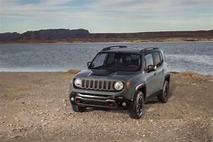 Jeep Renegade Trailhawk : 2015 jeep renegade debuts in geneva automobile magazine ~ Medecine-chirurgie-esthetiques.com Avis de Voitures