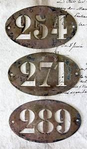 Plaque Vintage Metal : best 25 house numbers ideas on pinterest address signs address numbers and diy house numbers ~ Teatrodelosmanantiales.com Idées de Décoration