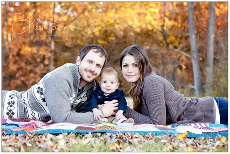 Outdoor Family Fall Photos  Google Search  Fall Themed