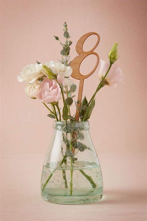 Table Vase by 25 Best Ideas About Small Vases On Small
