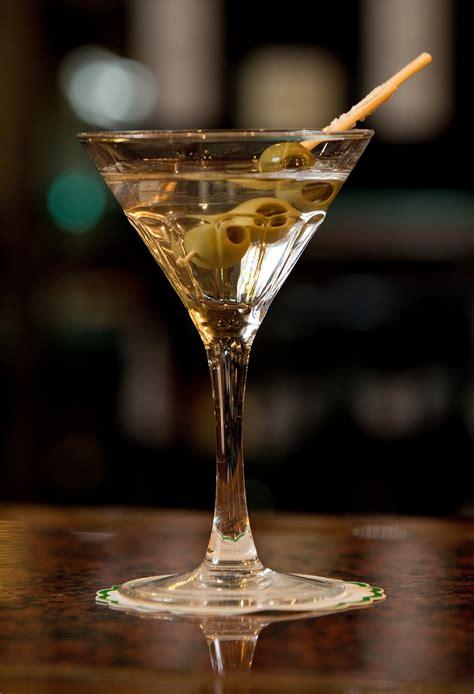 martini drink hotel avenida palace lisboa dry martini cocktail of