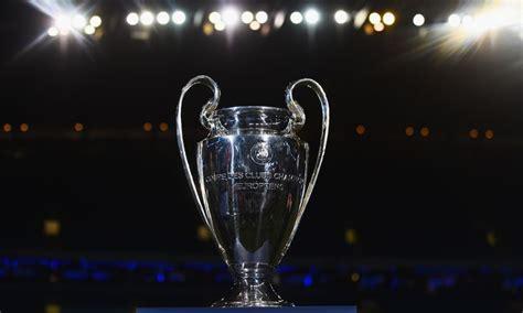 ทีเด็ดทรรศนะฟุตบอลวันนี้ ยูฟ่า แชมเปี้ยนส์ลีก ลิเวอร์พูล vs อตาลันต้า วันพุธที่ 25 พฤศจิกายน 2563 เวลา 03:00 น. หงส์จะพบกับอาแจ็กซ์, อตาลันต้า และมิดทิลแลนด์ - Liverpool FC