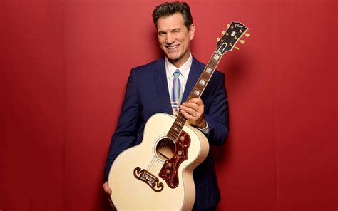 musician actor  tv host chris isaak plays  sands