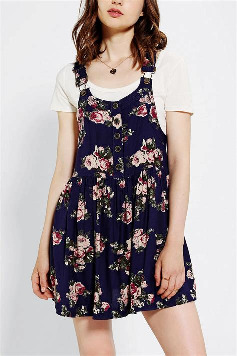 Lyst - Urban Outfitters Kimchi Blue Prairie Rose Overall ...