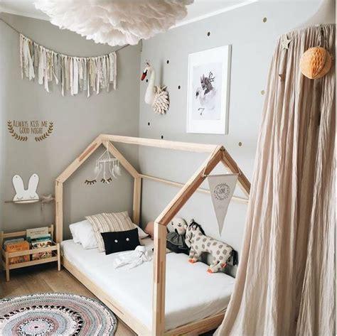 Wandgestaltung Kinderzimmer Bett by Wandfarbe B 252 Cherregal Bett There Is Something In The