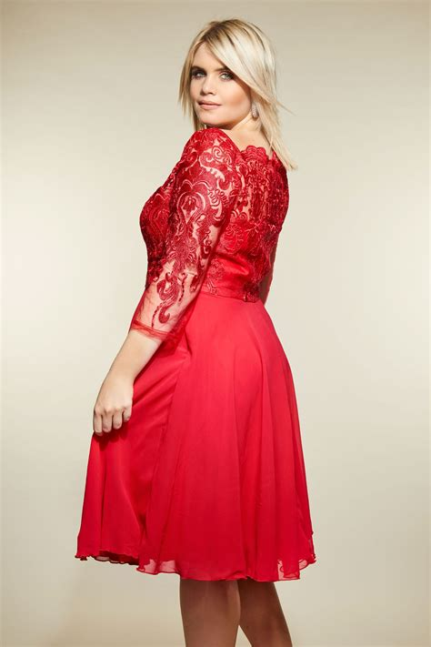 Chi Chi  Robe Rouge Dentelle, Grande Taille 44 à 54