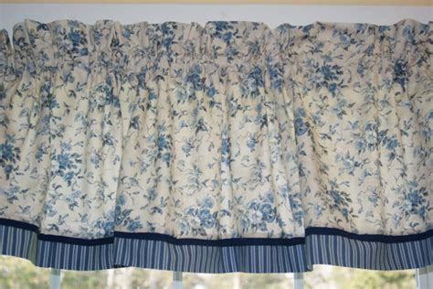 waverly fairhaven blue toile valance 17 x 81