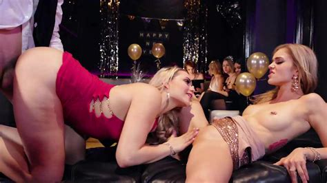 Kali Rose And Mia Malkova Make Out And Share Dick At The