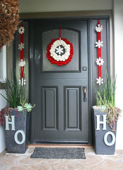 beautiful christmas door decorating ideas
