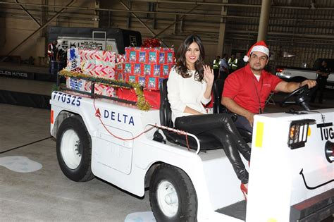 victoria justice delta airlines holiday   hangar