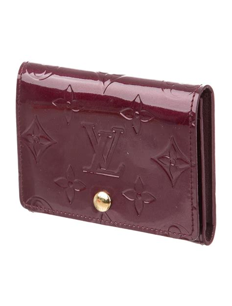 4 out of 5 stars. Louis Vuitton Vernis Business Card Holder - Accessories - LOU106407   The RealReal