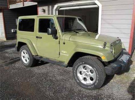 sahara jeep 2 door find used 2013 jeep wrangler sahara sport utility 2 door 3