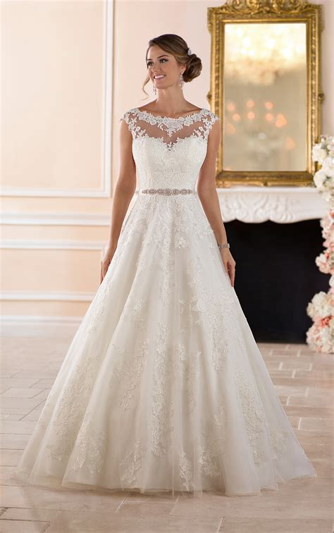 Wedding Dresses Traditional Ball Gown Wedding Dress
