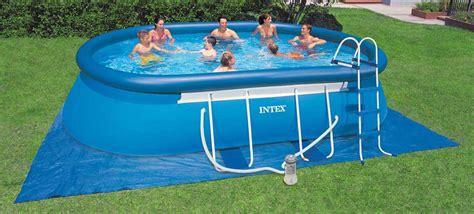 piscine gonflable avec siege les equipements et accessoires indispensables pour sa