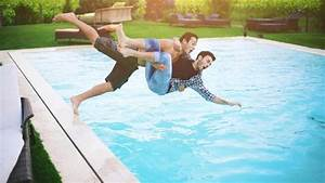 Schwimmteich Oder Pool : ein pool f r den garten was sie dazu brauchen ~ Whattoseeinmadrid.com Haus und Dekorationen