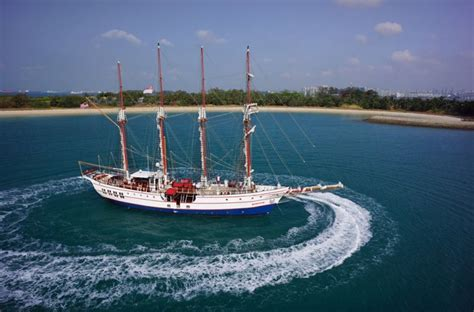 Boat Wedding Decoration Ideas by Yacht Weddings In Singapore Where To Hire A Boat For A