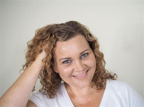 How To Style Fine Curly Hair