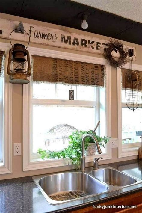 Looking for kitchen wall decor ideas? 20 Gorgeous Kitchen Wall Decor Ideas to Stir Up Your Blank Walls - The ART in LIFE