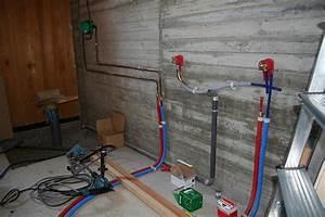 Plomberie douche italienne maison bioclimatique bois for Tuyauterie salle de bain