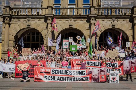 edition march  close   slaughterhouses