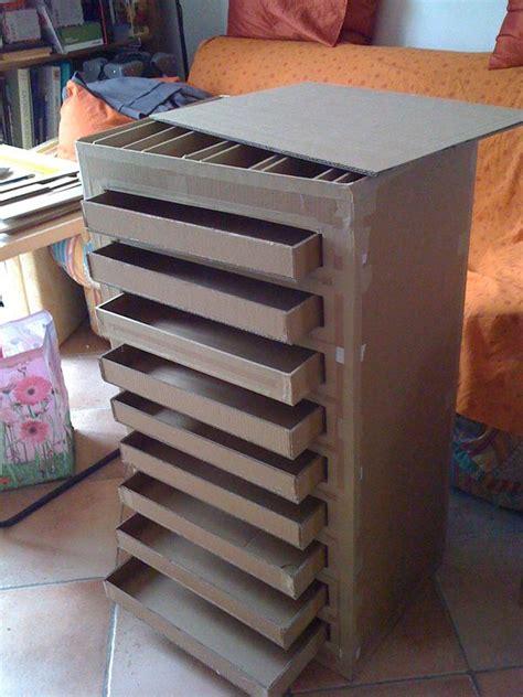 Tuto Meuble En Carton  Table De Lit A Roulettes