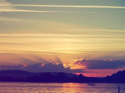 60 Lukisan Catan Pemandangan Waktu Senja HD