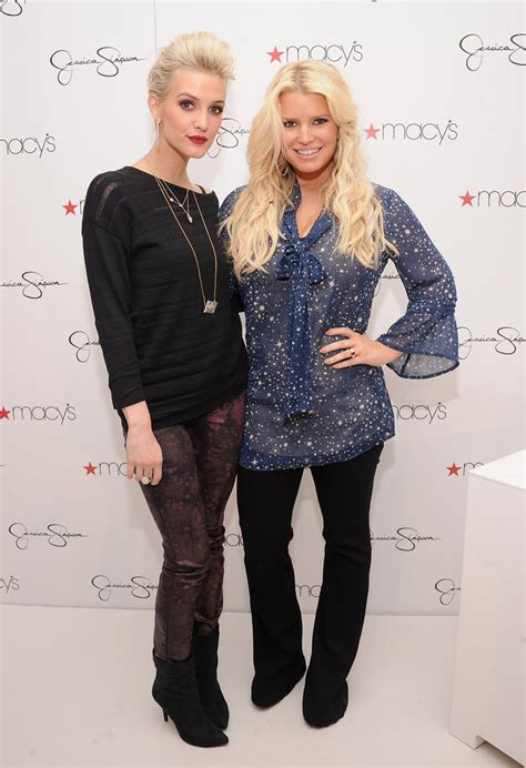 Jessica And Ashlee Simpson Attend Macys Event Pictures