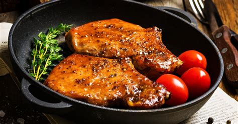 Pantry ingredients, finger lickin' good! How to Make Oven-Baked Boneless Pork Chops   LIVESTRONG.COM