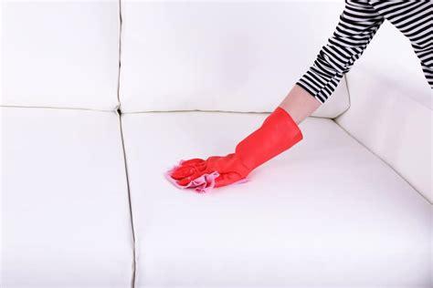 nettoyer un canapé en tissu avec du bicarbonate de soude nettoyer un canape en tissu avec du bicarbonate 28